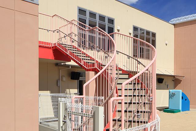 屋外避難階段